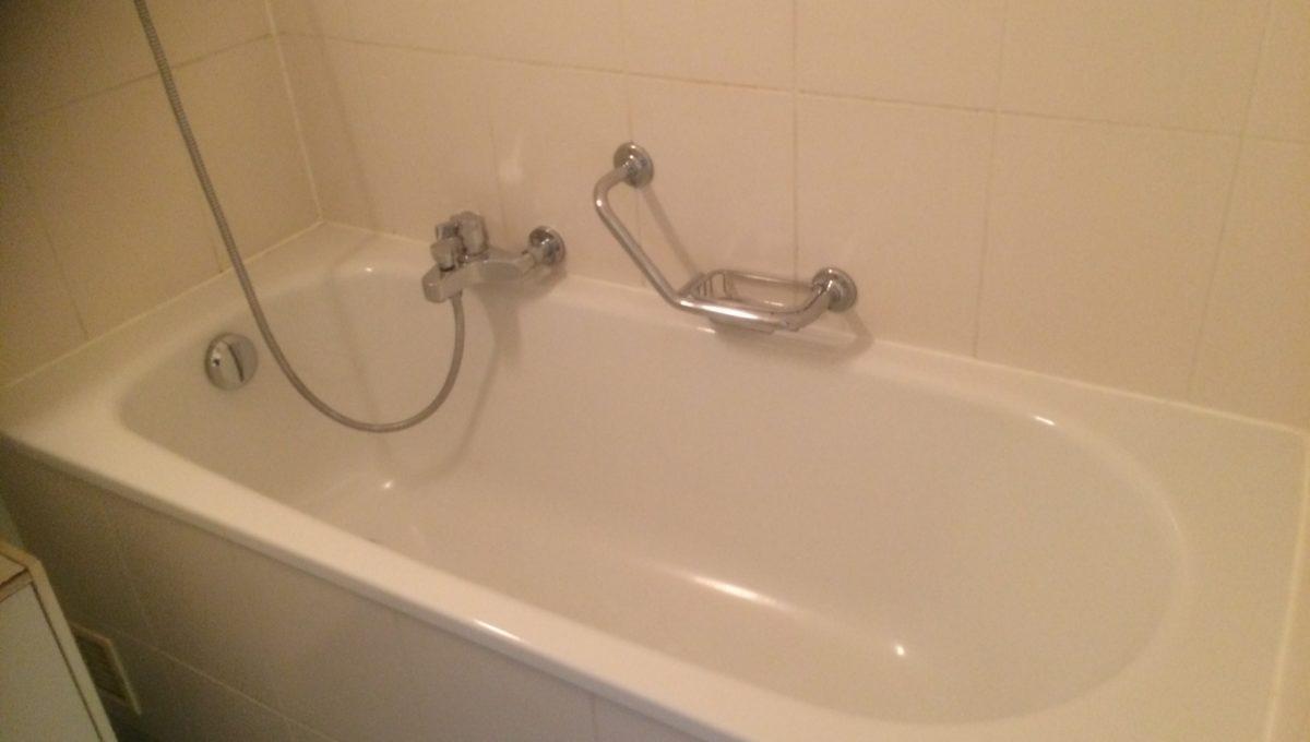 Sévery 2, Lausanne 1004, Bathroom