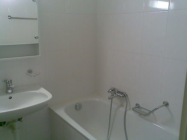 Severy 2, bathroom